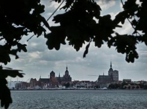 Stralsund von Altefähr aus betrachtet